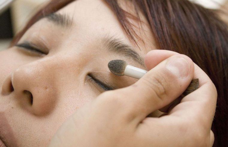 Sposób na trwały makijaż